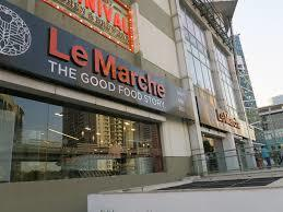 South Point Mall store on Golf Course Road, Gurgaon